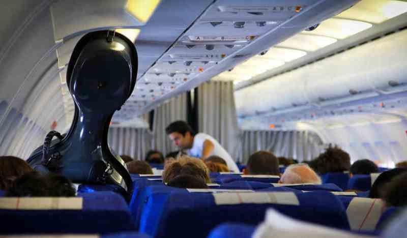 Музыкальные инструменты в самолете